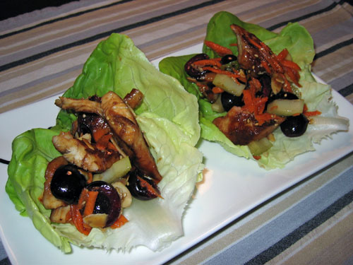 Wrap lettuce recipe with chicken and mushrooms
