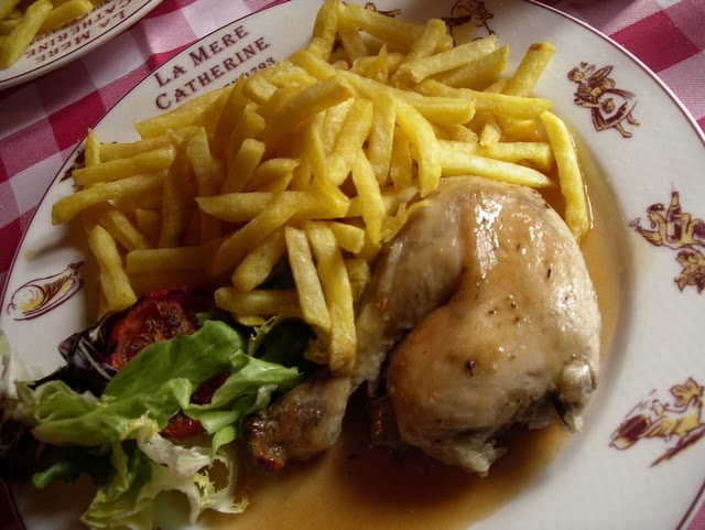 A typical Bistro meal, there are no set rules for eating Poulet Frites