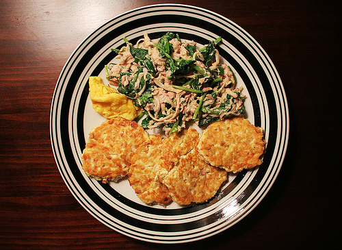 A delicious serving of tuna patties with tofu salad