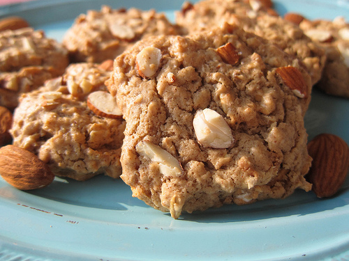 Almond Oatmeal Cookies