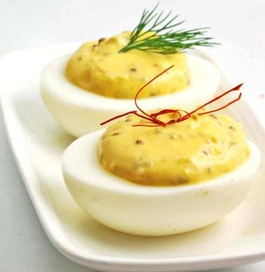 There are two kinds of boiled eggs – hard boiled and half-boiled
