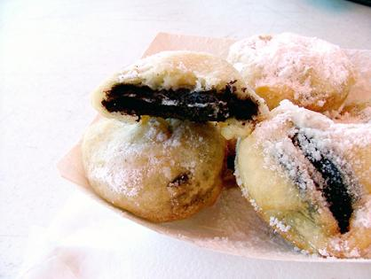 http://thumbs.ifood.tv/files/images/deep-fried-oreos.jpg