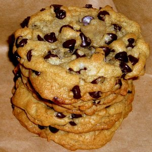 10 Holiday Cookie Ideas chocolate chip cookies