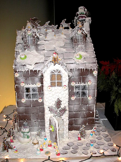 Gingerbread House - Traditional Christmas Foods
