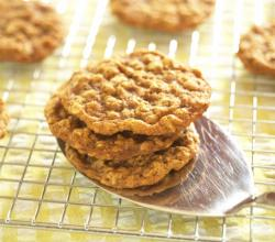 easy healthy dessert - oatmeal cookies