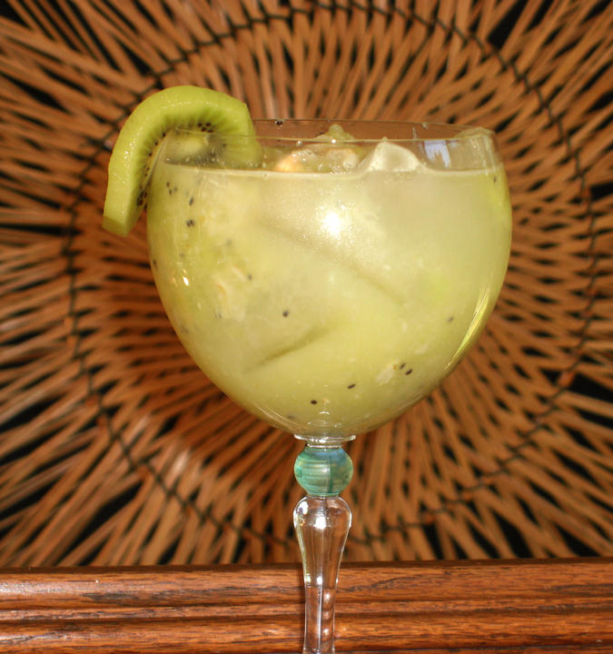Inti Kiwi and Lychee Cocktail