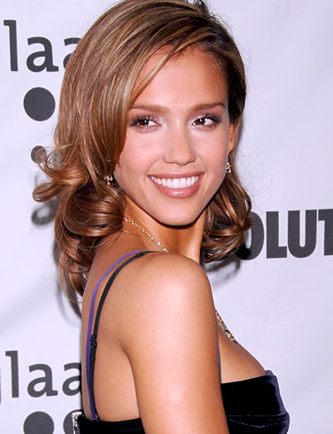 Jessica Alba Sues Belly Bandit For USD 1 Million!