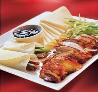 Peking duck with accompaniments