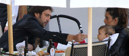 Javier Bardem and Penelope Cruz Take Little Leo Out For A Spaghetti Lunch!