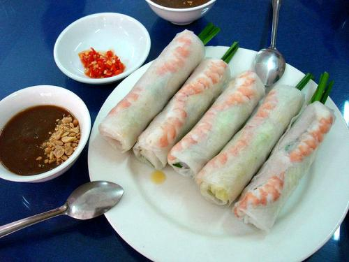 Thai Summer Rolls With Plum Sauce - Summer Party Appetizers From Thai Cuisine