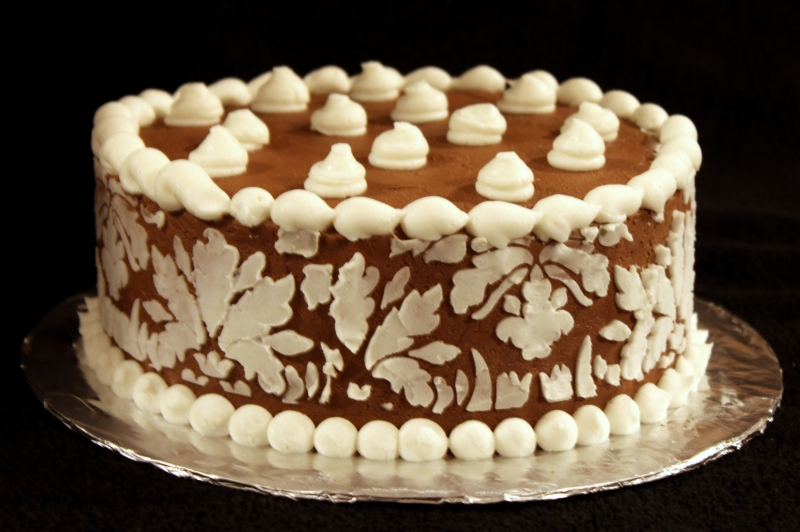 butter cream damask cake