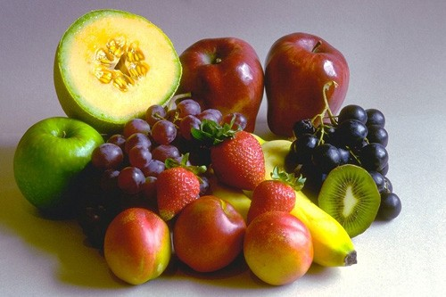 Fresh fruits - best way to start a day when on raw food weight loss regime