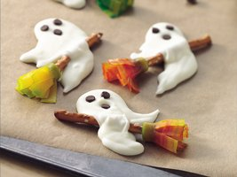 Halloween-Ghosts on Broomsticks