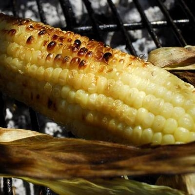 grilling-corn-without-husk