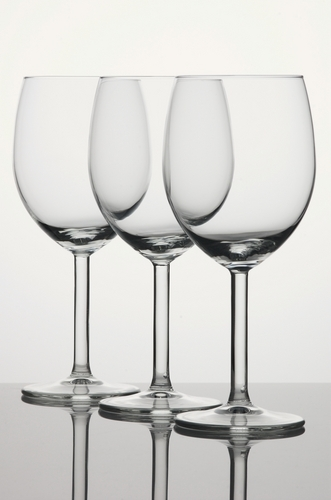 how to keep wine glasses clean - for the sparklin sheen