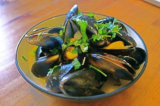 Thai Steamed Mussels picture
