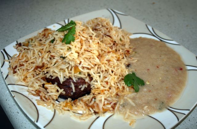 Apricot Biryani With Onion Sauce picture