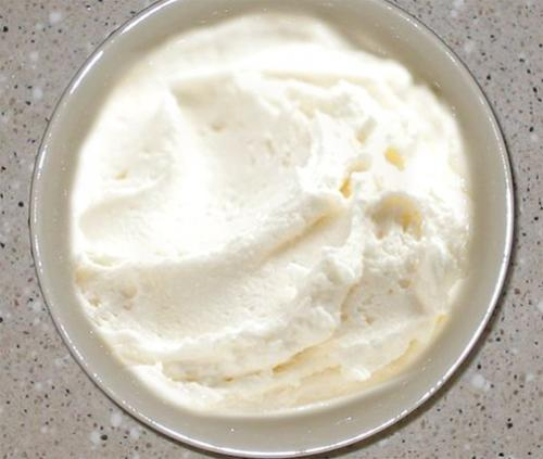 Lemon Butter Cream Frosting picture