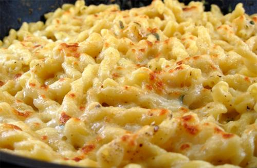 Macaroni And Cheese With White Pepper Flavored picture