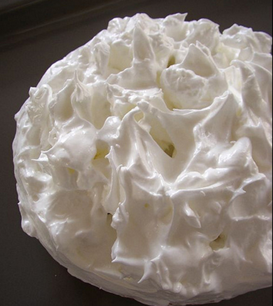 Meringue Pie Crust    picture