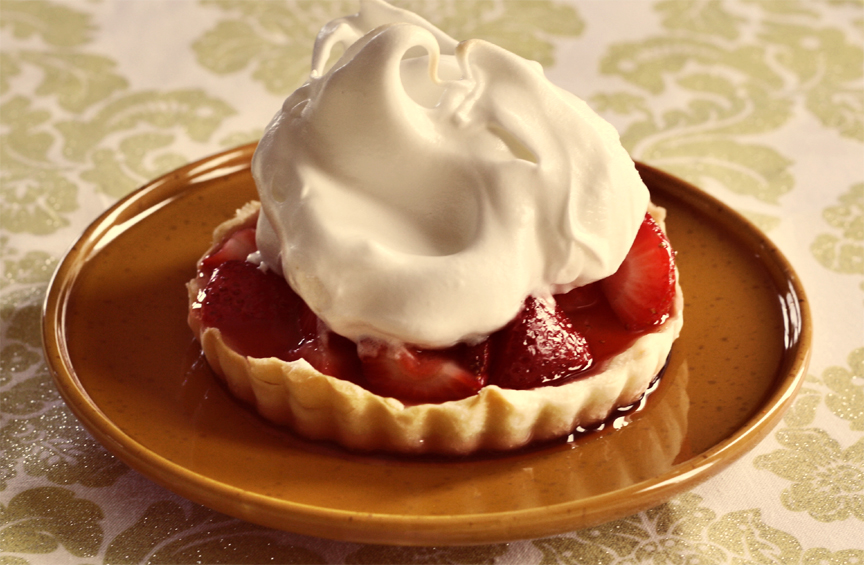 Meringue Tarts with Strawberries picture