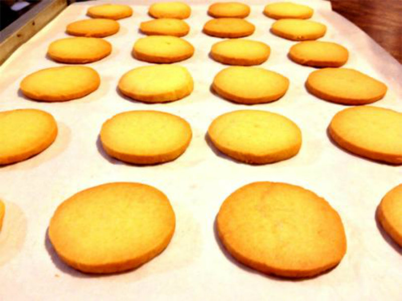 Plain Salt Biscuits picture
