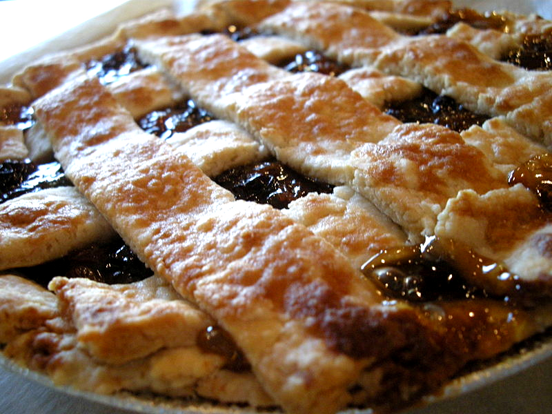 Easy Mincemeat Pie picture