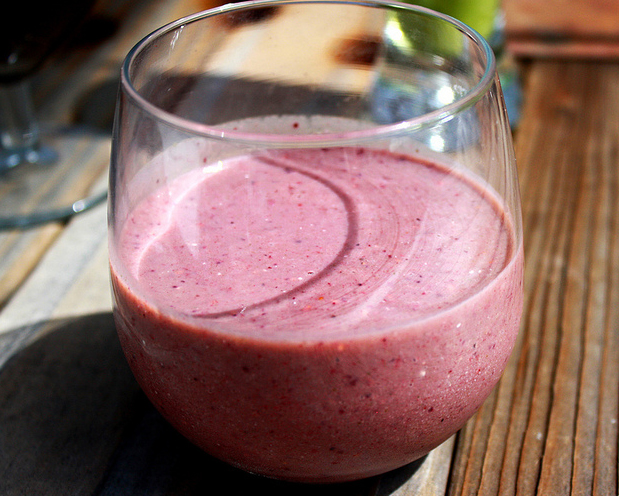 Mixed Berry Smoothie picture