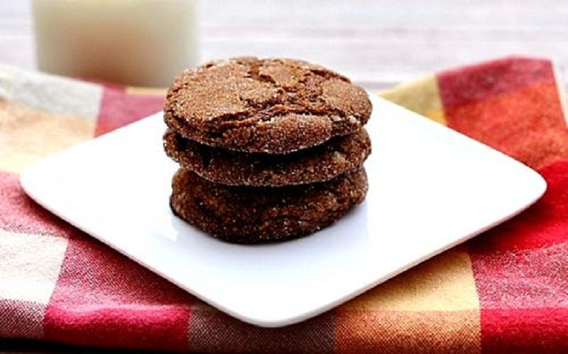 Molasses Crinkle Cookies picture