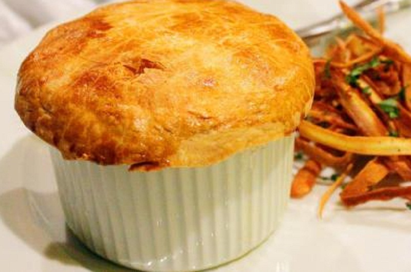 Mushroom and Kidney Pie picture