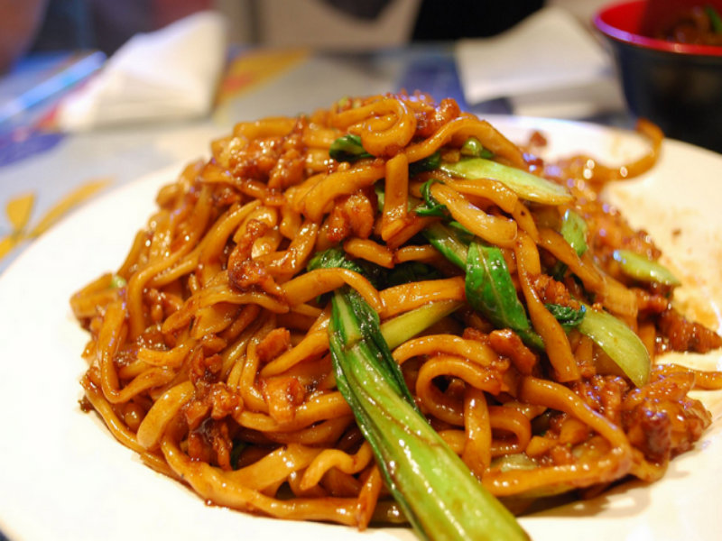 Fried Noodles With Vegetables picture