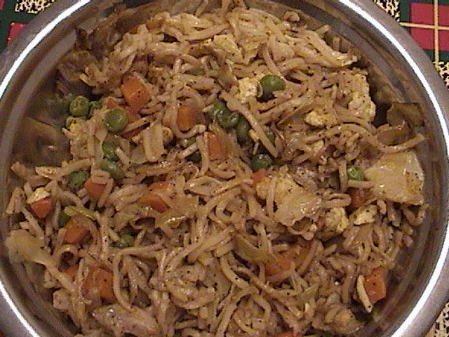 Egg vegetable noodles picture