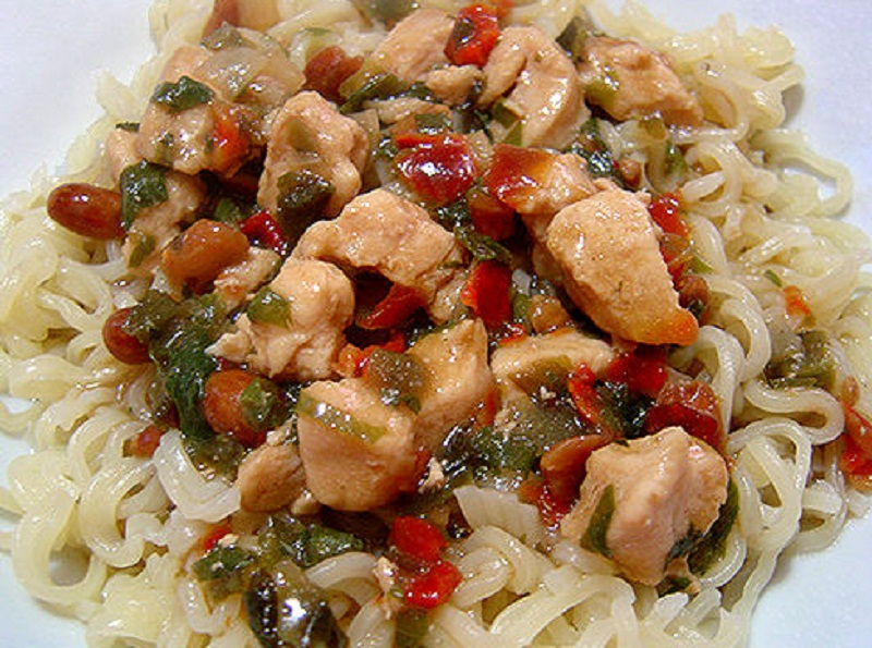Pasta with Chinese Style Chicken Saute picture