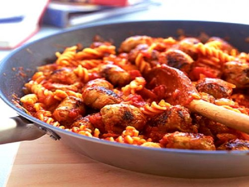 Pasta with Italian Style Turkey Sausage and Green Peppers picture