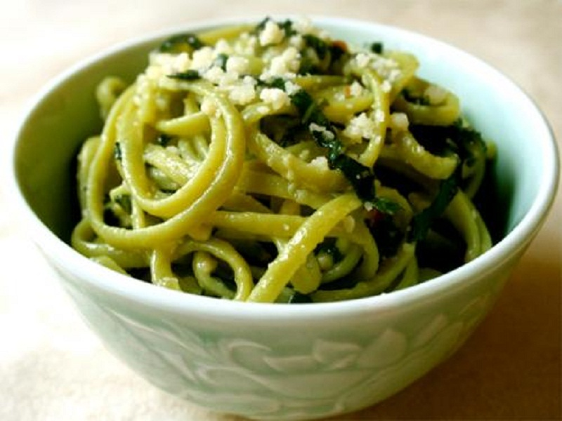 Pasta With Spinach Cheese Sauce picture