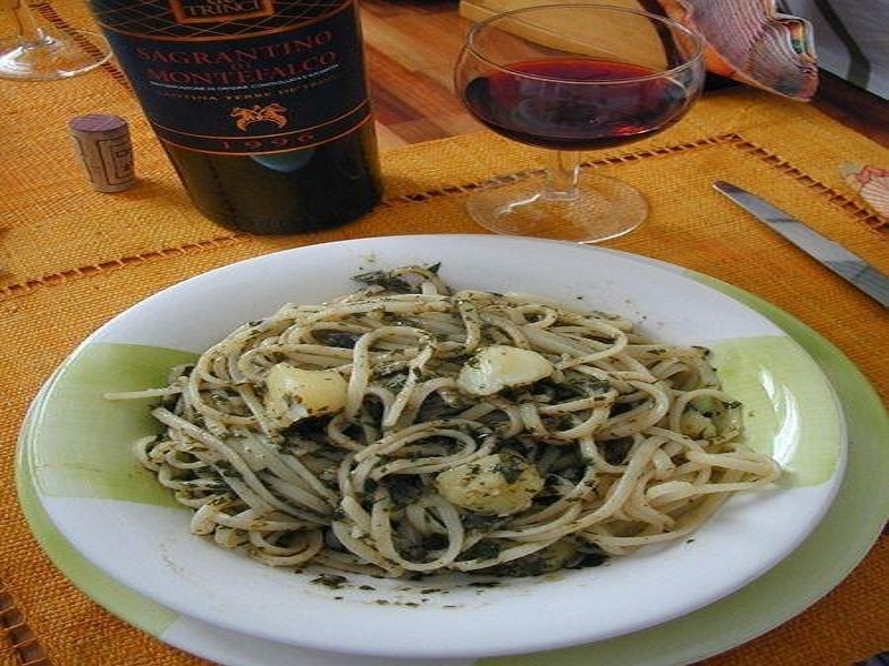 Pasta with Spinach Pesto picture