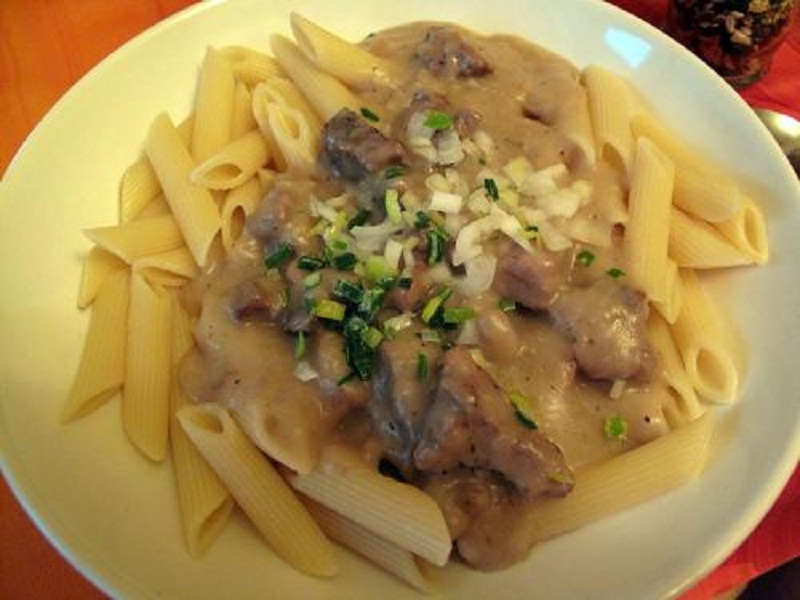 Pasta with Stir Fried Duck and Shiitake Mushrooms picture