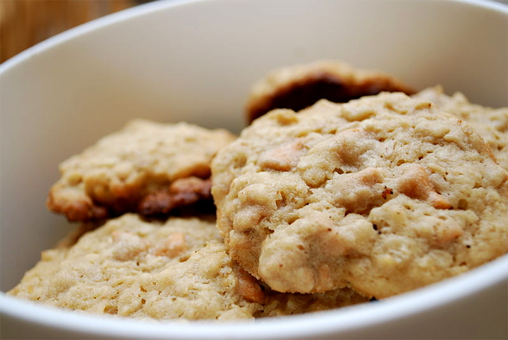 Peanut Butter Oatmeal Cookies picture