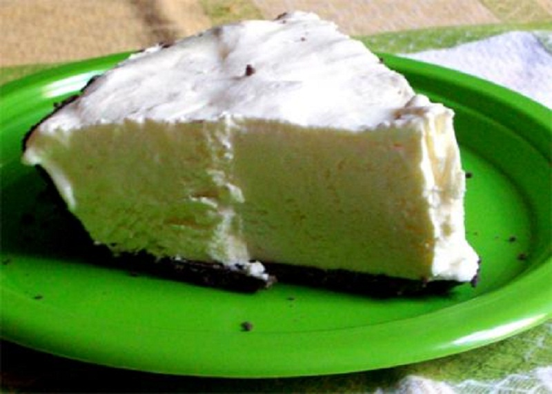Peppermint Chiffon Pie picture