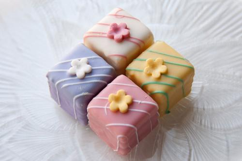 Petit Fours picture