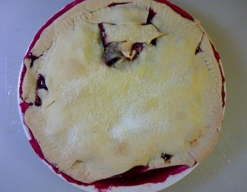 Plum Deep Dish Pie picture
