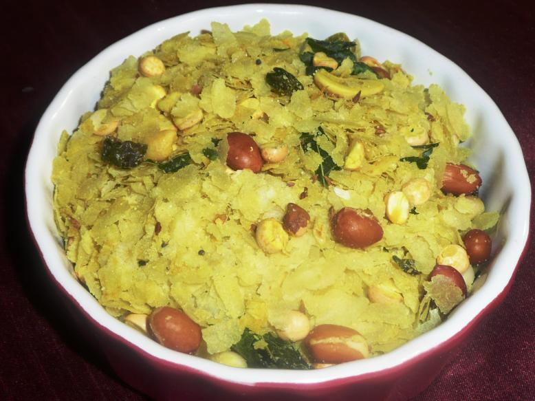 Microwave Poha Chivda (Beaten Rice Namkeen) picture