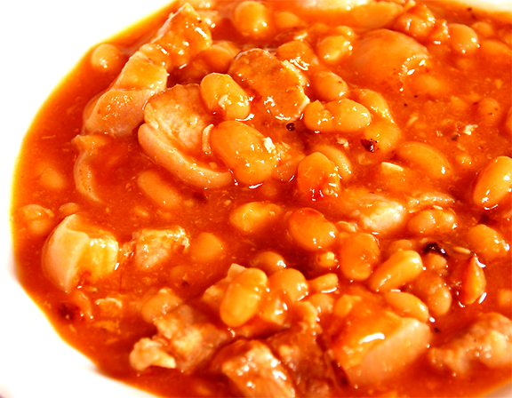 Beans With Pork And Tomato Sauce picture