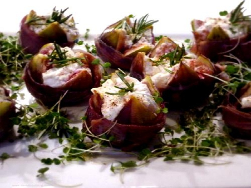 Prosciutto Stuffed Figs picture