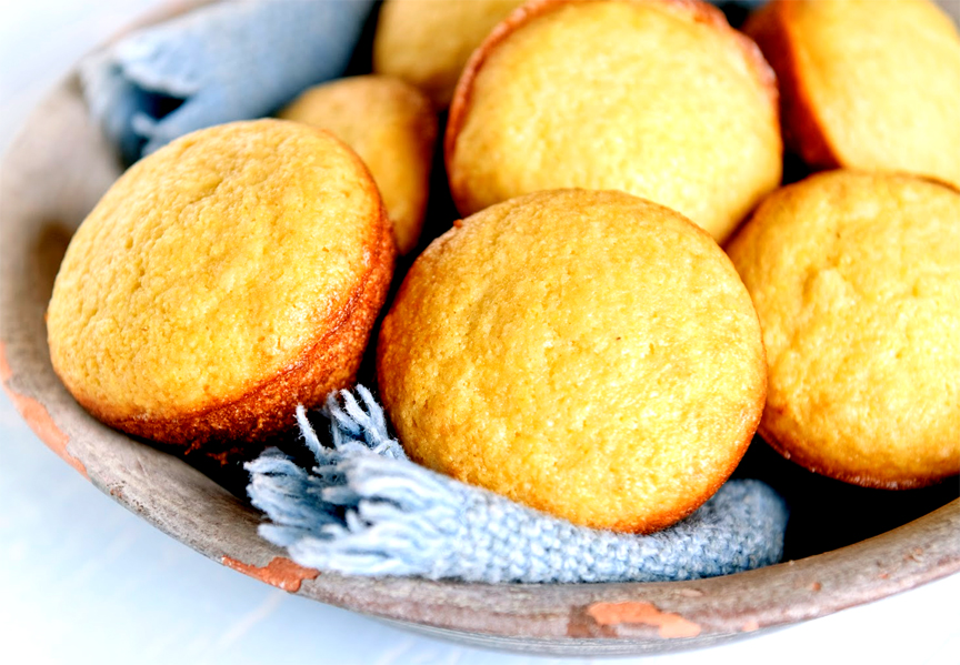 Quick Cornmeal Muffins picture