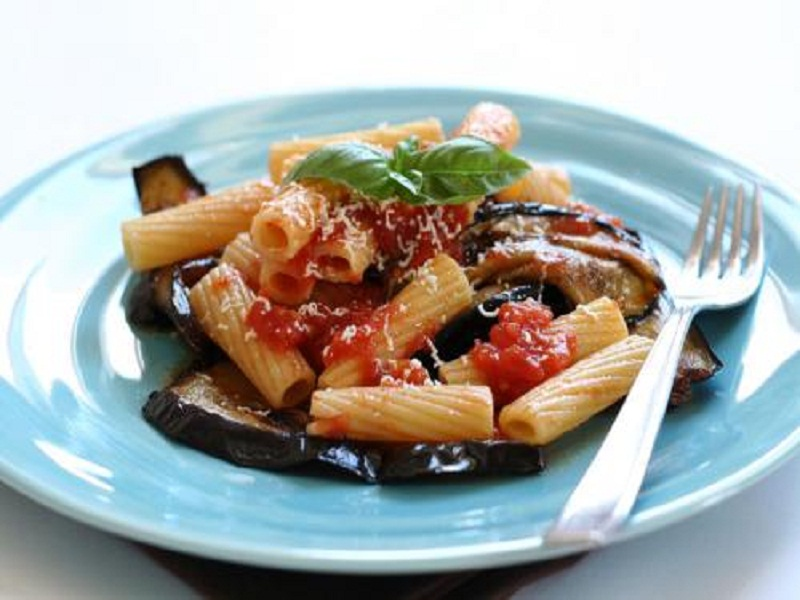 Rigatoni with Eggplant and Pureed Tomatoes picture