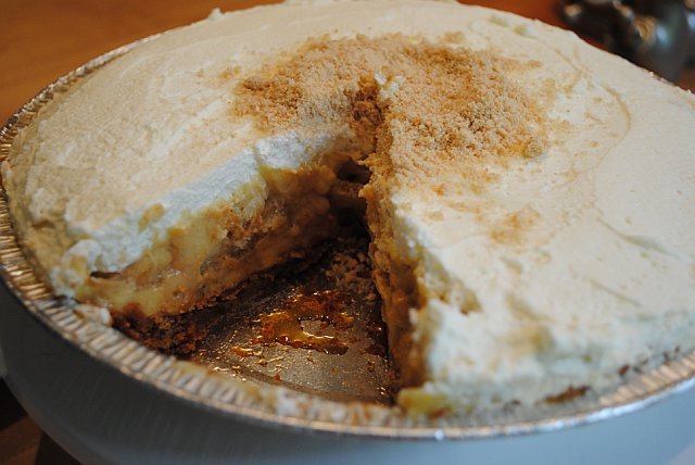 Anne Thornton's Salted Caramel Banana Pudding Pie picture