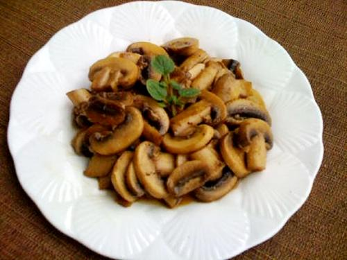 Microwave Mushrooms Sauteed in Sherry picture