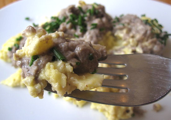 Scrambled Eggs With Mushrooms picture
