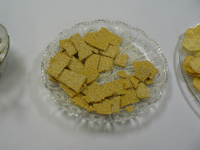 Mom's Sesame Corn Crisps picture